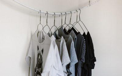 Esprit Shirt mit Lieblingspotential und raffinierten Details