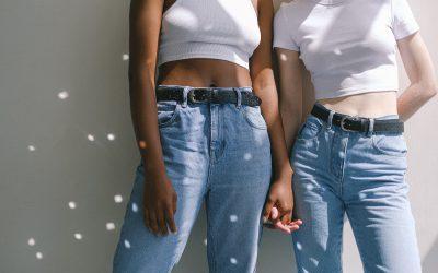 High Waist Jeans – So vielfältig ist die feminine Hose!