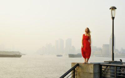 Rotes Kleid richtig kombinieren – dein ganz großer Auftritt